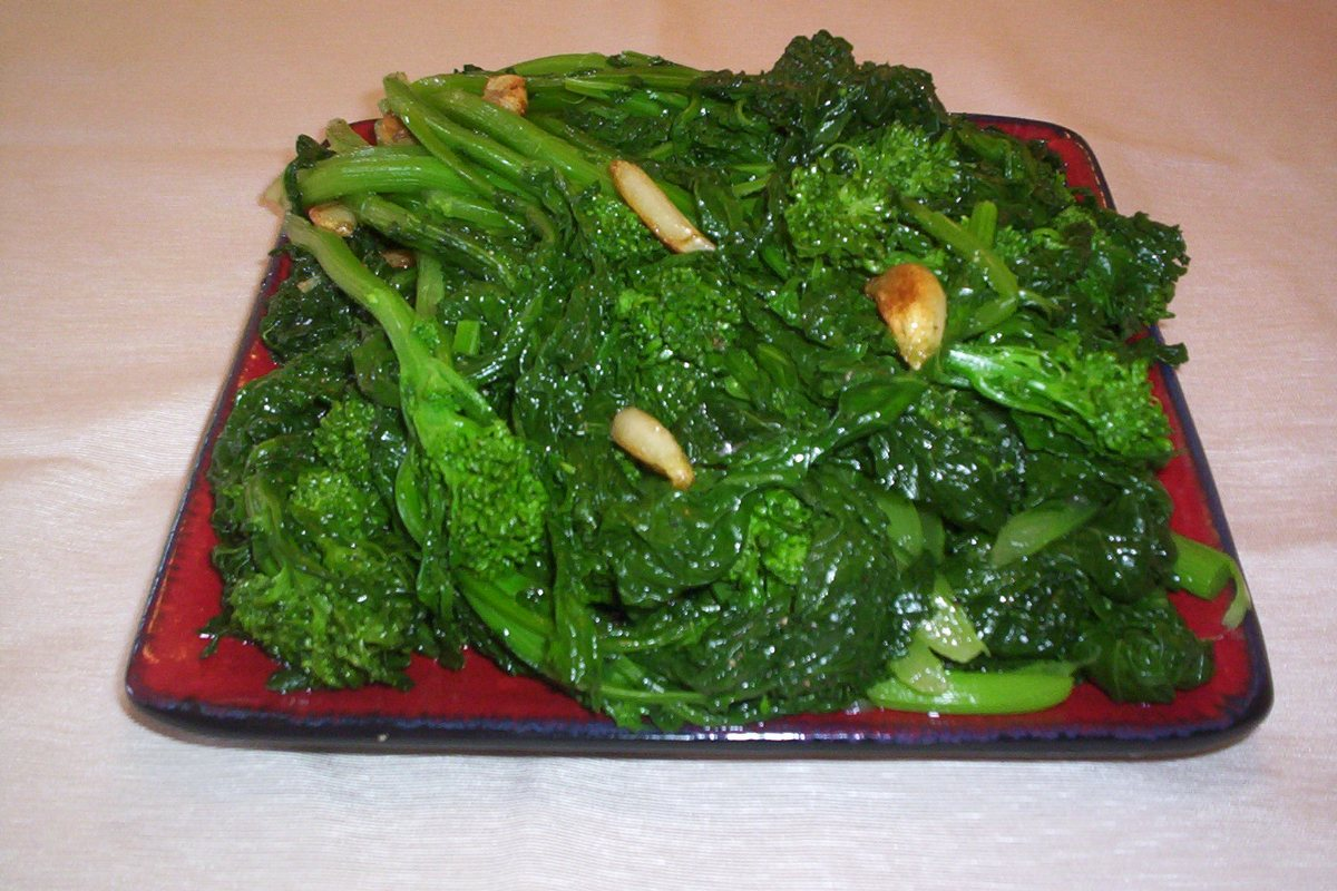 Recipes Course Side Dish Vegetables Broccoli Rabe with Roasted Garlic