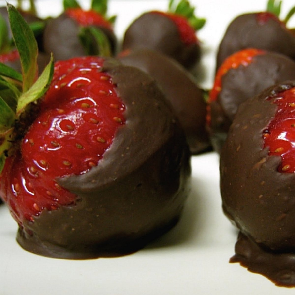 Chocolate-Dipped Strawberries Recipe — Dishmaps