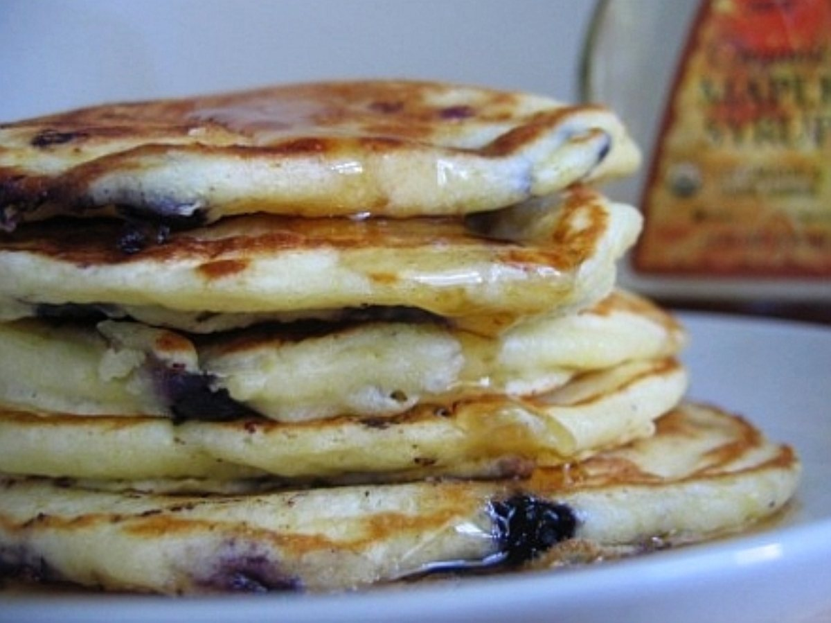 Fluffy Blueberry Buttermilk Pancakes - BigOven 85642