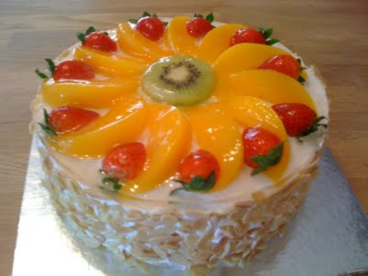 Торт с фруктами в домашних условиях