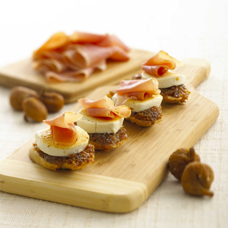 ... Canapes and Bruschetta Goat Cheese, Fig and Prosciutto Crostini