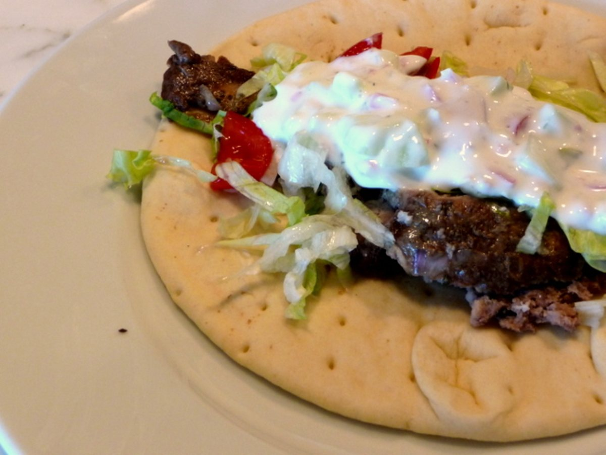 how to make gyro sauce with sour cream