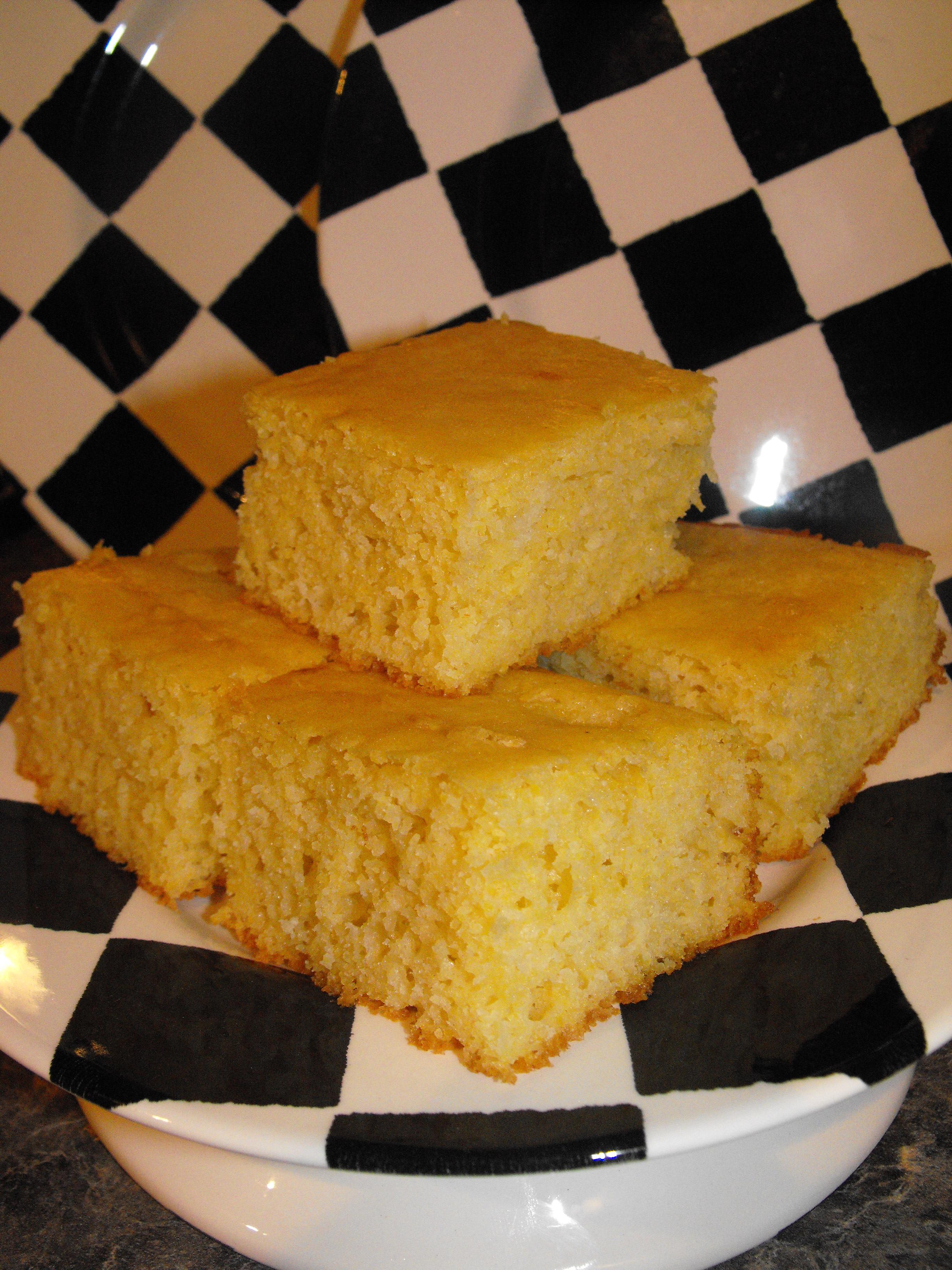 how to make cornbread moist