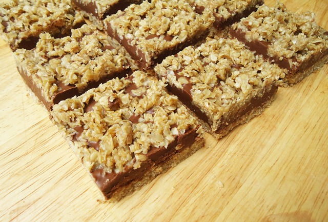 No Bake Chocolate Peanut Butter Oat Bars - BigOven 265414