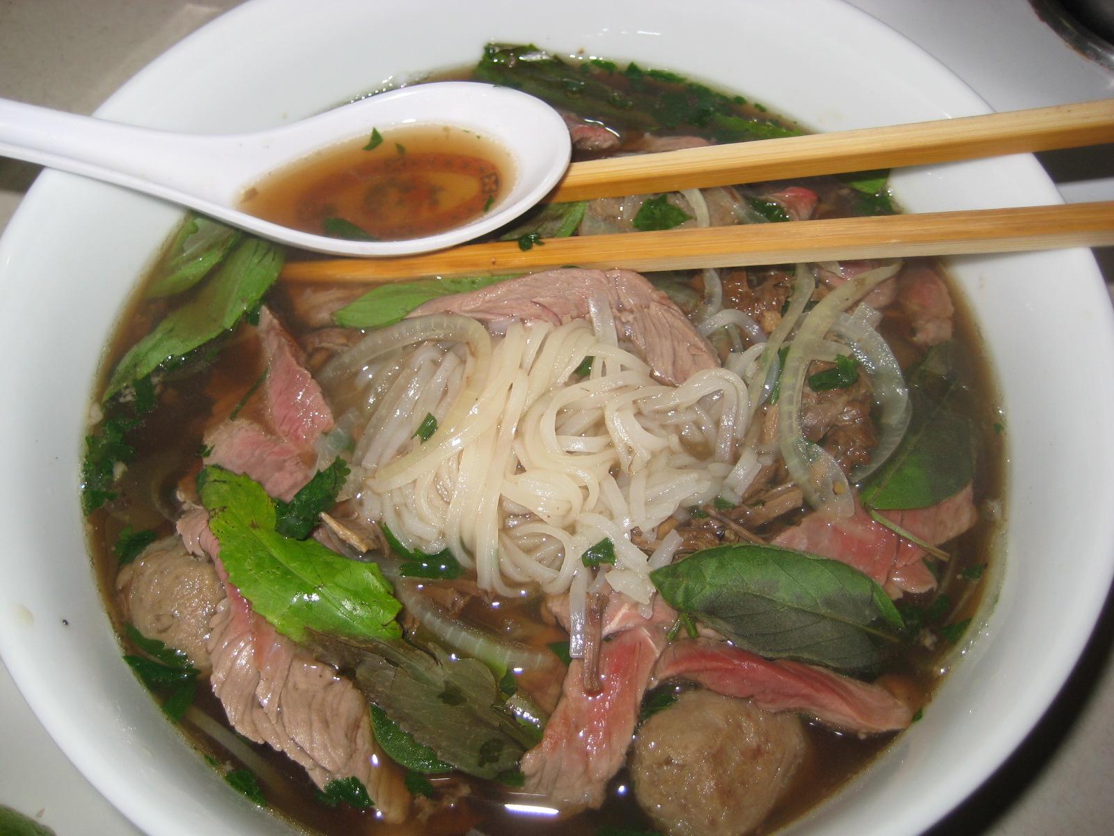 Pho Bo, Vietnamese Beef Noodle Soup - BigOven 172189