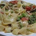 Fettuccine w/ Cream Sauce, Prosciutto, Asparagus, Mushrooms, & Peas (Boom)
