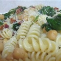 Pasta with Spinach, Chickpeas and Bacon