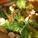 Broccoli with Garlic and Cashews