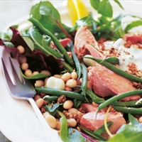 A Salad of Salmon, Beans, and Crunch