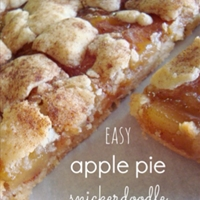 Apple Pie Sinckerdoodle Cookie Bars