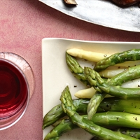 Asparagus with Garlic Dip