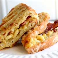 Bacon and Macaroni Grilled Cheese