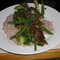 Beef Stir-fry with Broccoli and Oyster Sauce