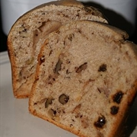 Bread Machine Anne's Apple, Raisin and Nut Cake