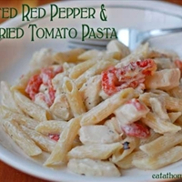 Roasted Red Pepper and Sundried Tomato Pasta