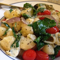 Cheesy Pasta with Spinach and Tomatoes