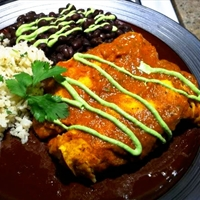Chicken Enchiladas Suiza (Enchiladas with Creamy Cheese Sauce)
