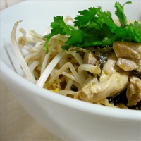 Chicken poached in coconut milk (Gang Gai)