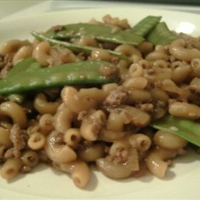 Chinese style macaroni with snow peas