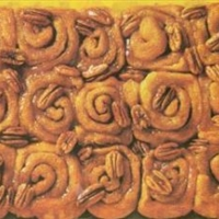 Cinnamon Rolls with Pecans