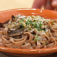 Creamy Mushroom and Marsala Fettuccine with Garlicky Breadcrumb Topping