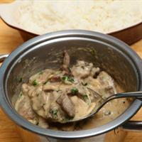 Easy One Pan Beef Stroganoff
