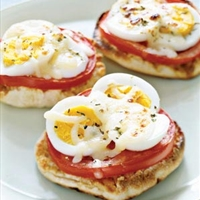 English Muffin Egg Pizzas-5