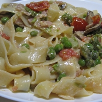 Fettuccine w/ Cream Sauce, Prosciutto, Asparagus, Mushrooms, & Peas (Boom)