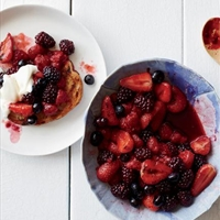 Fire-Roasted Berry Crostini with Honey Crème Fraîche