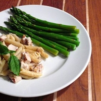 Gorgonzola-Walnut Penne with Grilled Chicken