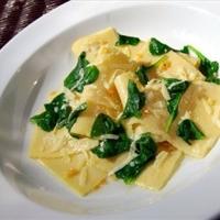 Handkerchiefs with Spinach, Garlic And Pecorino Cheese