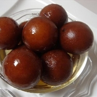 Indian Gulab Jamun with Milk Powder