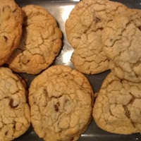 Jumbo Chewy Chocolate Chip Cookie