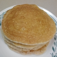 Low-Fat Oatmeal Protein Pancakes with Cottage Cheese