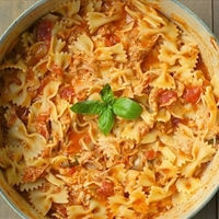 One-Pot Tomato, Basil, + Chicken Pasta
