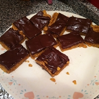 Peanut Butter Cornflake Bars (No-Bake)