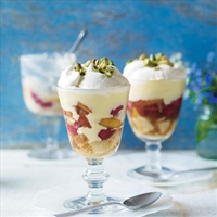 Perfectly simple Melba trifles