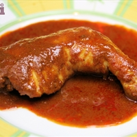 Pollo al ajillo (Chicken in chile-garlic sauce)