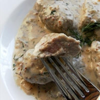 Pork Tenderloin Medallions with Sour Cream and Dill