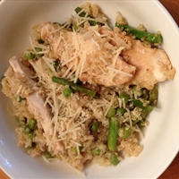 Quinoa Risotto with Chicken, Asparagus & Peas