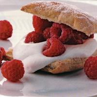 Raspberry Creme Fraiche Puff