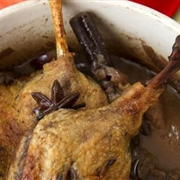 Slow Braised Duck with Grapes