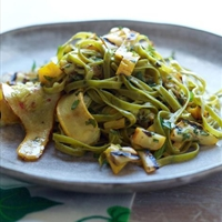Spinach Fettuccine with Tangy Grilled Summer Squash