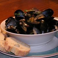 Steamed Mussels a la Ceasar