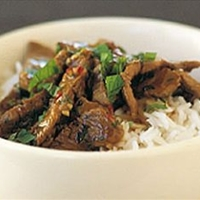 Stir-fry lamb with chili & mint