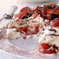 Strawberry-Chocolate Meringue Torte