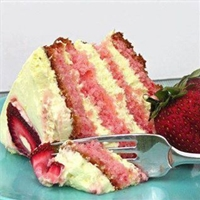Strawberry Lemonade Cake