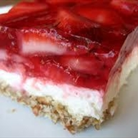 Strawberry Pretzel Congealed Salad
