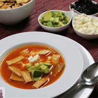 Tortilla soup (Sopa de tortilla)