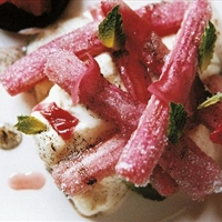 Vanilla cheesecake with rhubarb and ginger